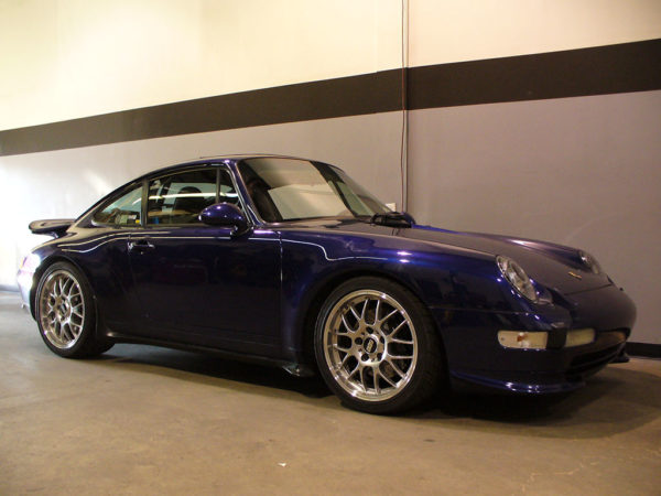 1995 Porsche 911 Carrera - Performance and Looks